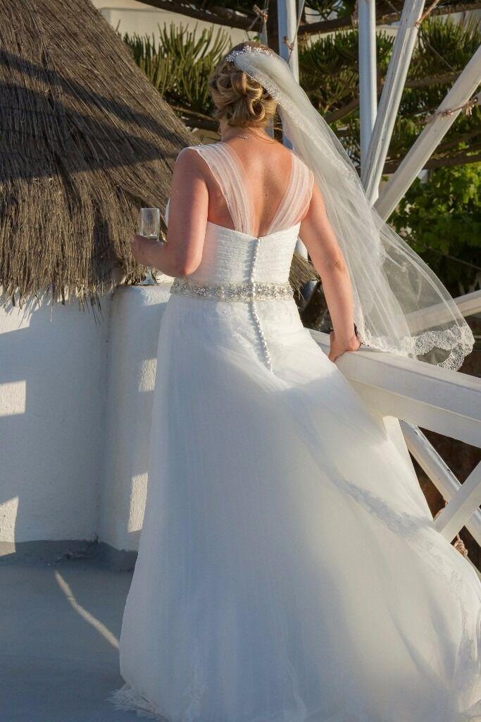 Nearly new wedding dress for sale