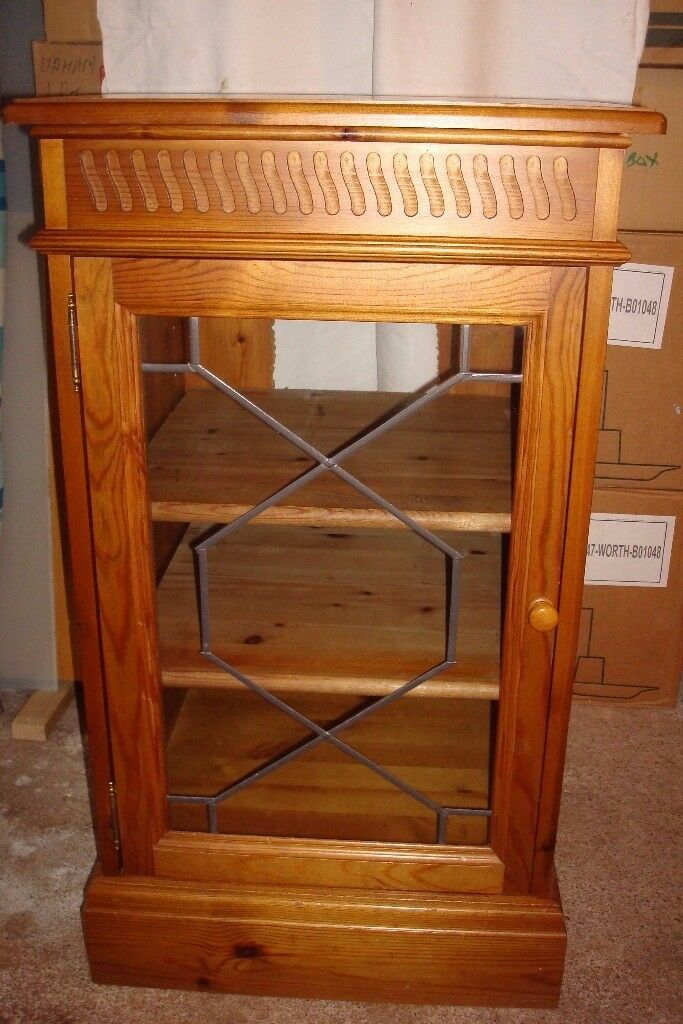 GLASS FRONT STEREO UNIT