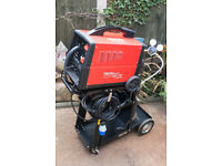 Clarke Mig welder 151TE turbo with trolley and CO2 Bottle and regulator