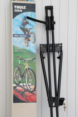 thule fahrradtr ger 559 bike carrier abschlie bar in. Black Bedroom Furniture Sets. Home Design Ideas