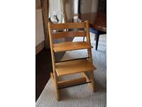 STOKKE TRIPP TRAPP HIGH CHAIR / NATURAL BEECH WOOD / 2 X BACK SUPPORTS & CUSHIONS
