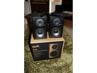 Polk T15 audio speakers in excellent condition (boxed) together with stands!