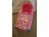 Baby bath seat from Mothercare - excellent condition