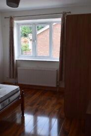 2 BED HOUSE YEADING 1250PCM