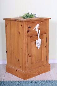 DELIVERY OPTIONS - QUALITY MADE SOLID PINE BEDSIDE TABLE DRAWER & CUPBOARD
