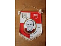 REDUCED PRICE NOBBY STILES MANCHESTER UNITED PENNANT