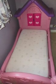 GIRLS PINK AND PURPLE TODDLER SIZE BED COTTAGE