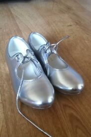 Tappers and pointers tap shoes size 10
