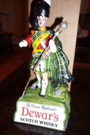 Dewar's Scotch Whisky Pipe Major original advertising figure - boxed + in perfect condition.
