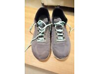 sketchers size 6