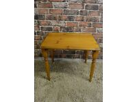 SMALL SIDE TABLE IN PINE £5
