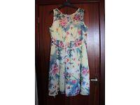 beautiful ladies floral dress, size 16/18