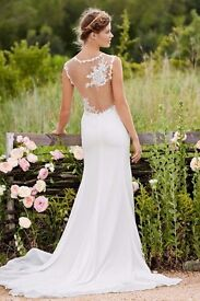 Watters wedding dress. As new. Vintage lace, boho styling.