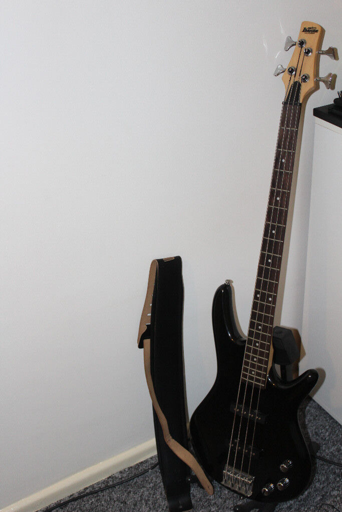 IBANEZ BASS gio 180 + Stand + Leather Bass Strap