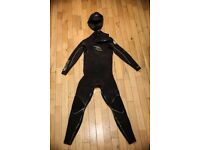 5/3 Ripcurl wetsuit and 3mm O'Neill hood - surf, surfing
