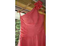 Bridesmaid dress in beautiful corral colour!