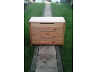 Ikea solid pine chest of draws,... very nice condition,