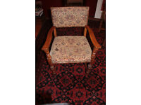 Set of 6 Dining Chairs Oak Cromwellian revival 2 carvers 4 dining top quality antique Gothic