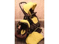 Graco 2 in 1 Pushchair/ Buggy and car seat with Footmuff and x2 raincovers!
