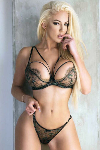 Sexy Adult Film Star Nicolette Shea Hot Cleavage 4x6 photograph #2