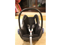 MAXI COSI car seat with two sunshades