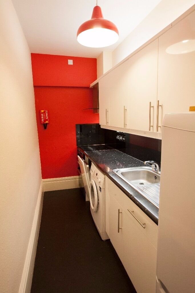 1 Bed Flat to let in popular Clifton Area