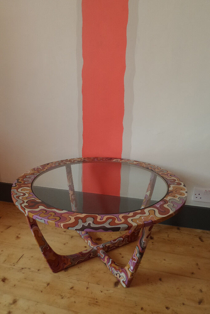 Shabby chic hand painted scandinavian style round coffee table