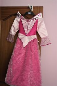DISNEY Sleeping Beauty Dress up age 6 y