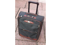 Samsonite cabin size luggage with pull out trolley handle