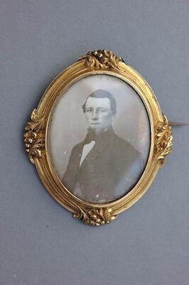 Große vergoldete Foto Brosche , um 1860
