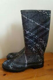 Burberry Wellington Boots Size 7