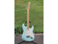 Squier stratocaster deluxe with Seymour Duncan pickups