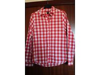 red and white check H&M shirt size m