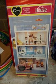 Vintage 3 storey Sindy House (1980's) with box