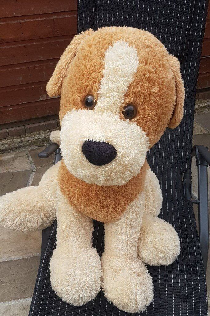 Massive Lovely Dog toy. Made of very soft wool/cotton. Only £20