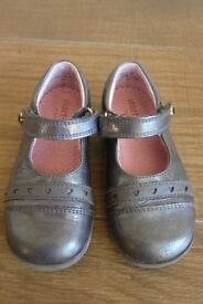 Startrite Gun Metal Patent shoes 7.5F