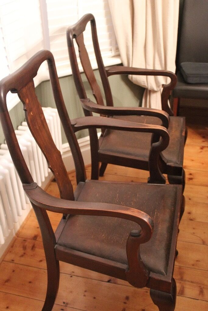 Two Queen Anne Carver antique dining chairs - Two Queen Anne Carver Antique Dining Chairs In Christchurch