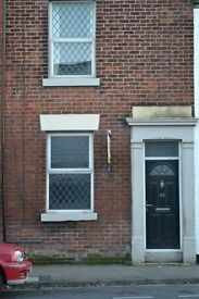 2 Bed Terrace House to Rent only £465pcm Rear Yard, Huge master bedroom, Available from 9th July
