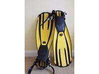 Mares Avanti Quattro open heel quick release fins, Yellow, size Small, includes free spare straps