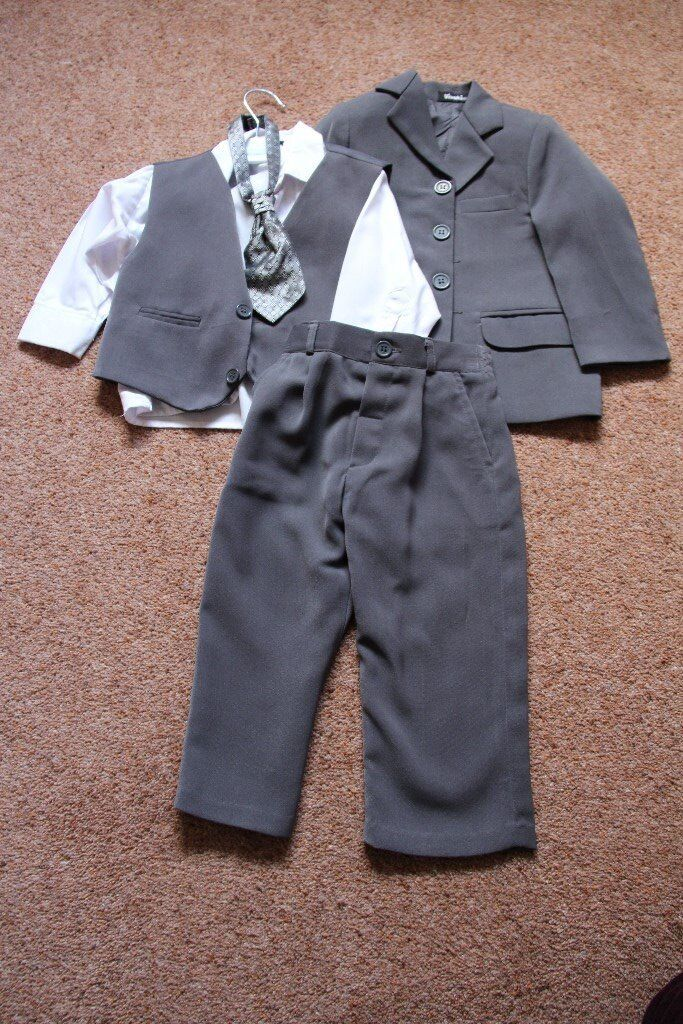 Vivaki Baby Boy 5 Piece Grey Suit – size age 9 – 12 Months