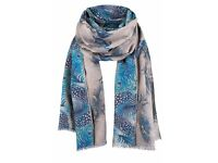 Women Butterfly/Fronds Double Sided Scarf