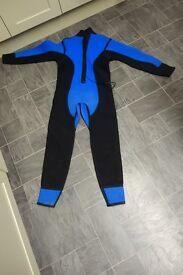 Small full length wetsuit