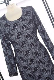 Fully Stitched Black Lace Abayah with a White backdrop. ZeeHM Fashion