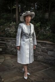 "Elegant ""Izabella"" silver/grey coat and dress plus matching hat"
