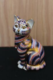 Royal Crown Derby Sitting Cat Paperweight with Gold Stopper