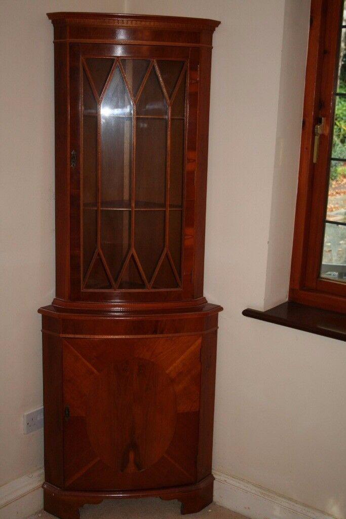 2 x Maple veneer corner units - Good condition, space needed