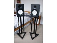 Yamaha HS80M Active Studio Monitors (pair) powered speakers with stands, perfect for DJ / production