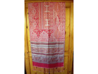 ** NEW ** & unworn fringed red & gold shawl, pashmina, wrap, scarf. £5 ovno. Happy to post.