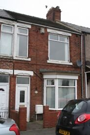 Two bed terrace to rent £325 pcm! Available now! Accepts DSS!
