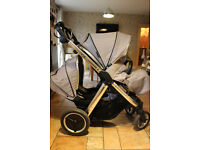 Oyster Max 2 Tandem Travel System With 2 Britax Car Seats